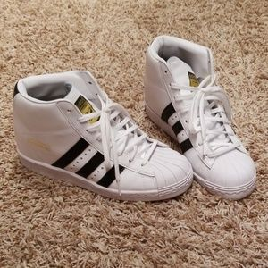 Adidas wedges sneakers white.